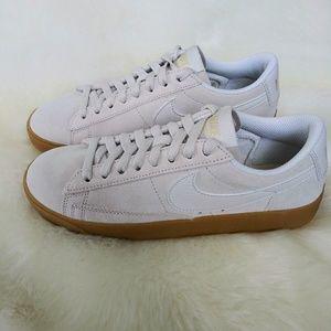 Nike Blazer Low Womens Sneakers